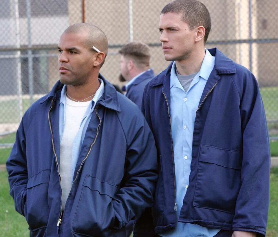 مررو 15 عام ع مسلسل Prison Break 🖤